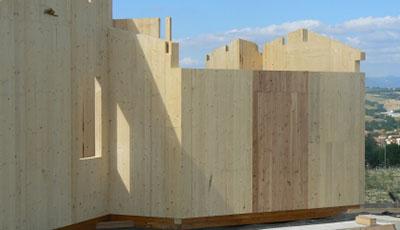 Tecnica costruttiva vantaggi e differenze tra la casa in for Casa in legno tradizionale